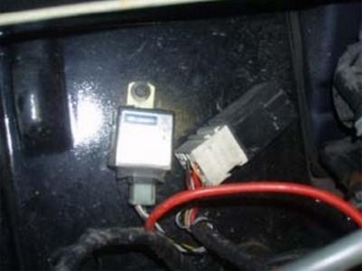 emplacement boitier à controler dans compartiment moteur anciennes vsp aixam